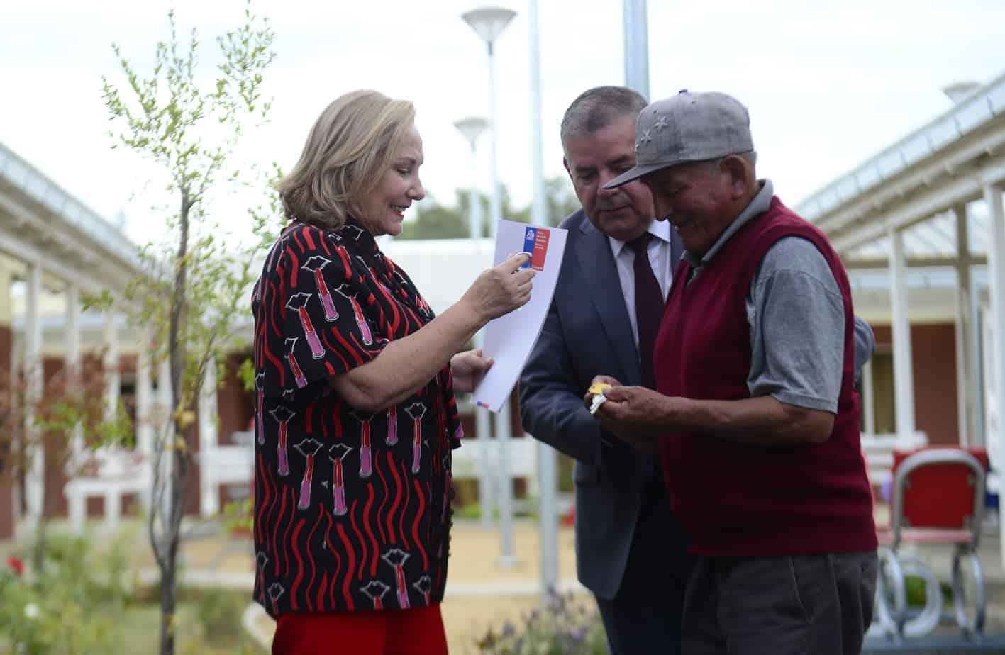 Inauguran condominio de viviendas tuteladas para adultos mayores en Nacimiento