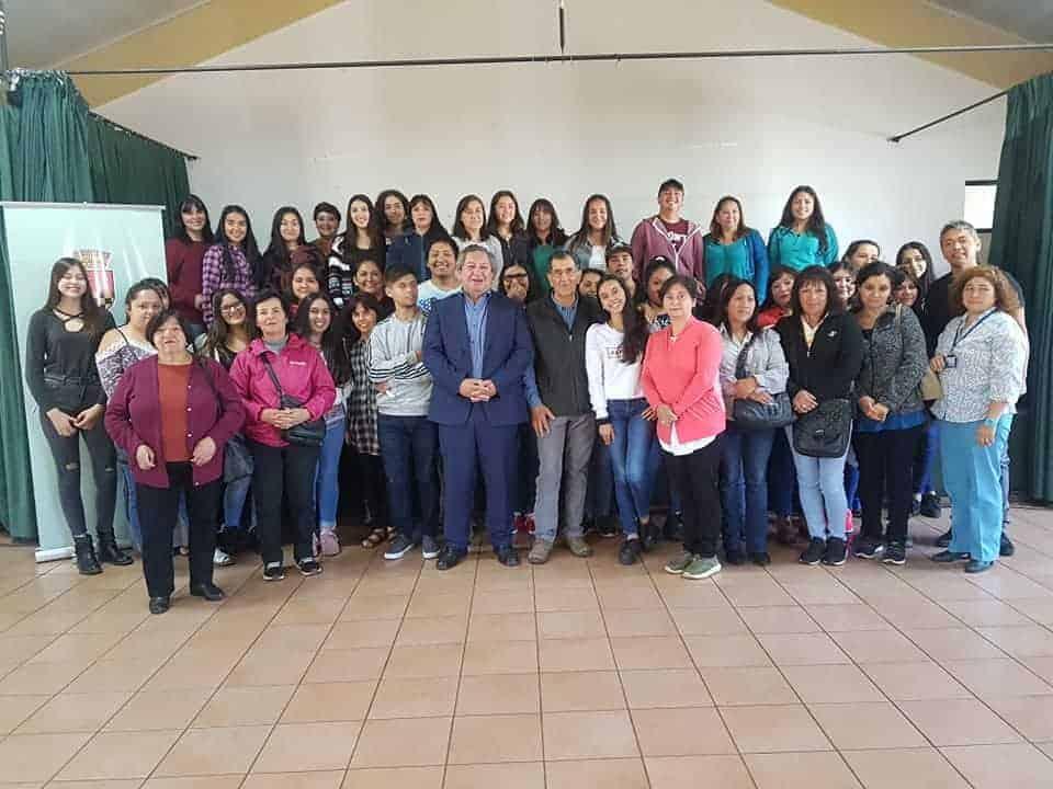 Municipalidad de Santa Bárbara apoyará con residencia a 27 universitarios de la comuna