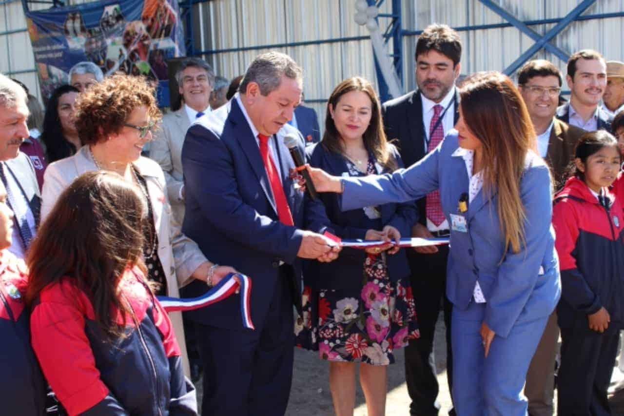 Inauguran patio techado en escuela G-958 Mañil Bajo de Santa Bárbara