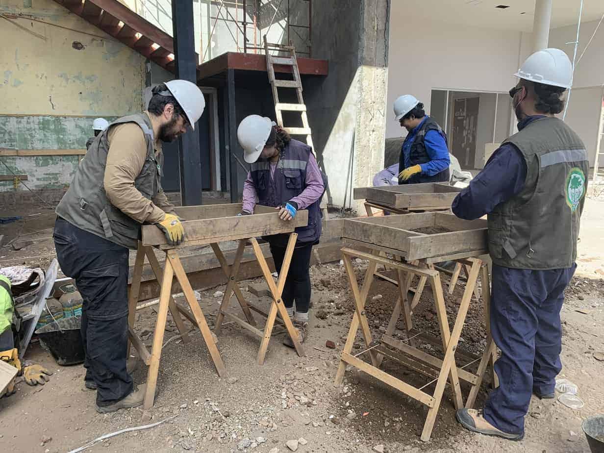 Arqueólogos trabajan desde el lunes en osamentas del Centro Cultural angelino