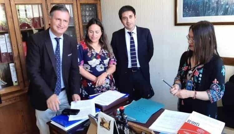 Diputada Joanna Pérez ingresa proyecto que obliga a bancos a responder por fraudes