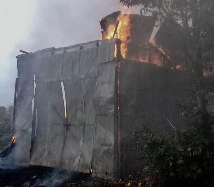 Incendio destruye por completo una bodega en Aurora de Enero