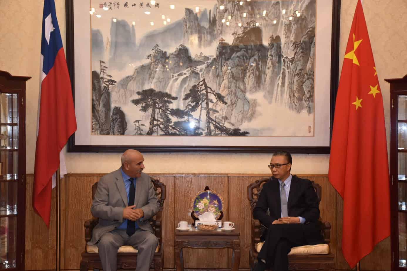 Alcalde de Yumbel se reúne con Embajador de China para potenciar exportaciones
