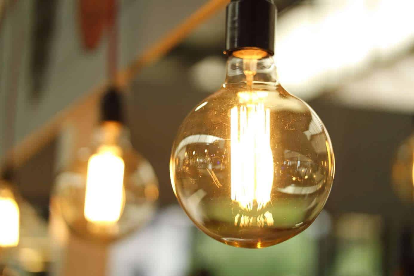 Consejos que te ayudarán a reducir 30% la cuenta de luz