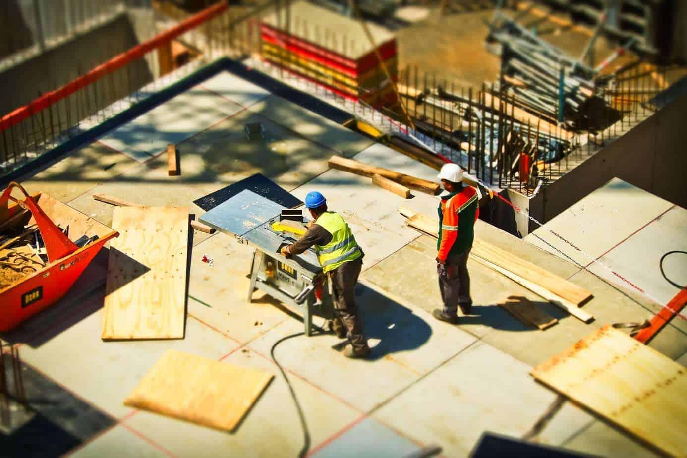 Prevén caída de un 7,7% en la construcción y un desempleo sobre 12%