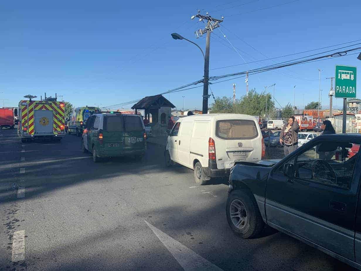 Triple colisión deja un lesionado en avenida Las Industrias