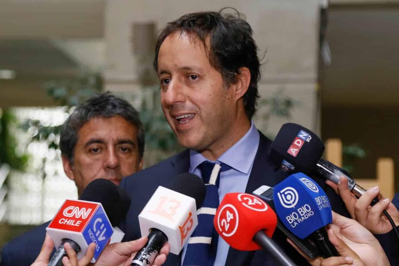 Urruticoechea a Mario Desbordes: «Fijemos nuestra postura en ser útiles, no importantes»