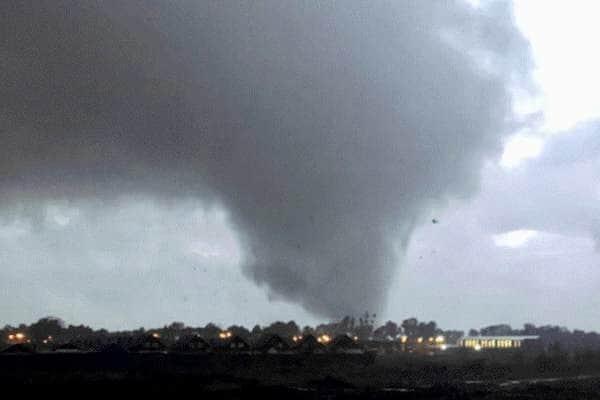 Advierten posibilidad de un tornado en el Biobío y Ñuble