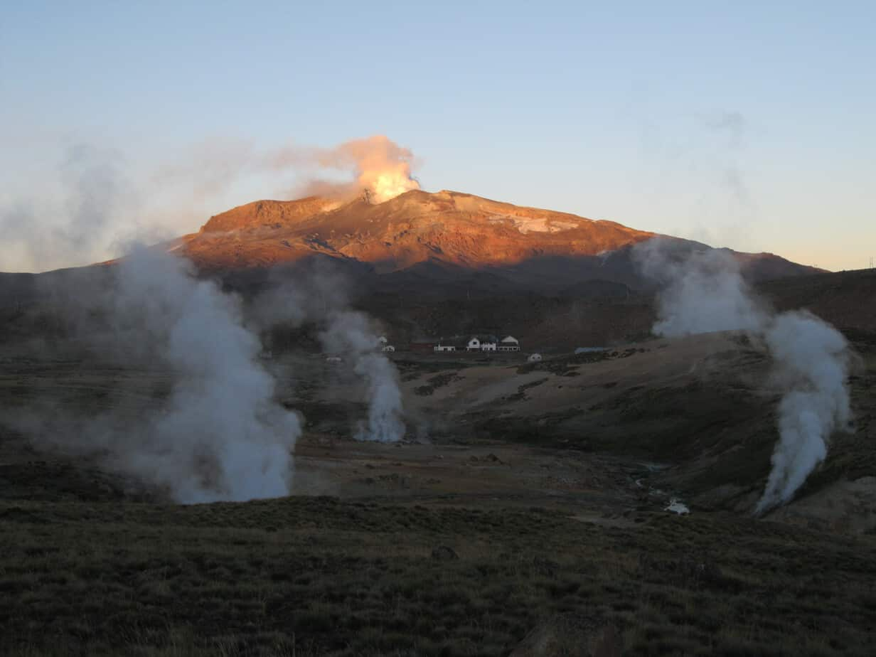 Gobierno decide mantener la alerta amarilla en el Volcán Copahue