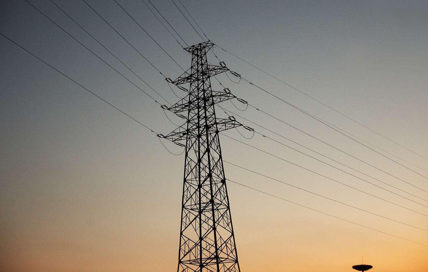 Corte masivo de electricidad afecta al 20% de la demanda del país