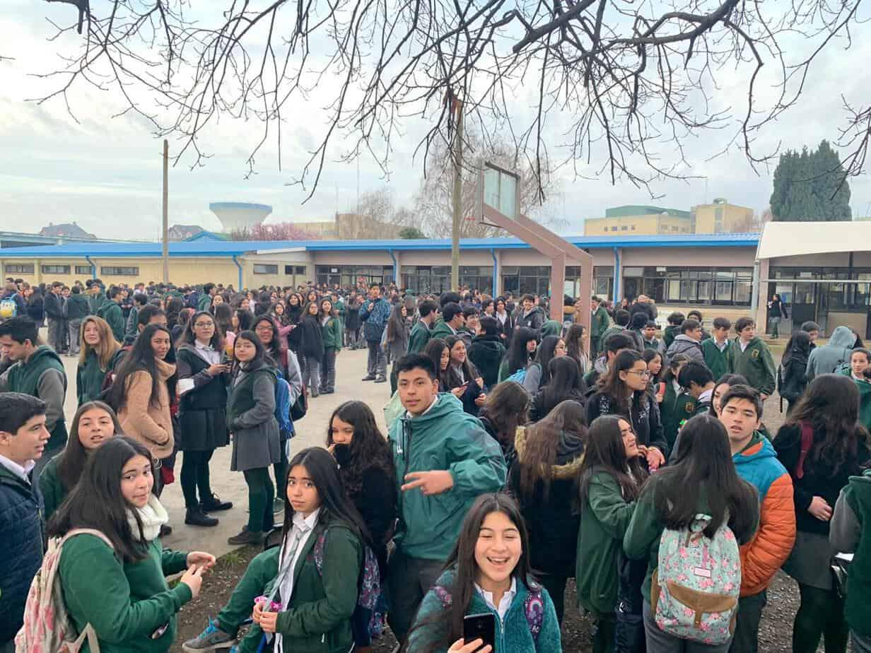 Evacuan Liceo Bicentenario por principio de incendio