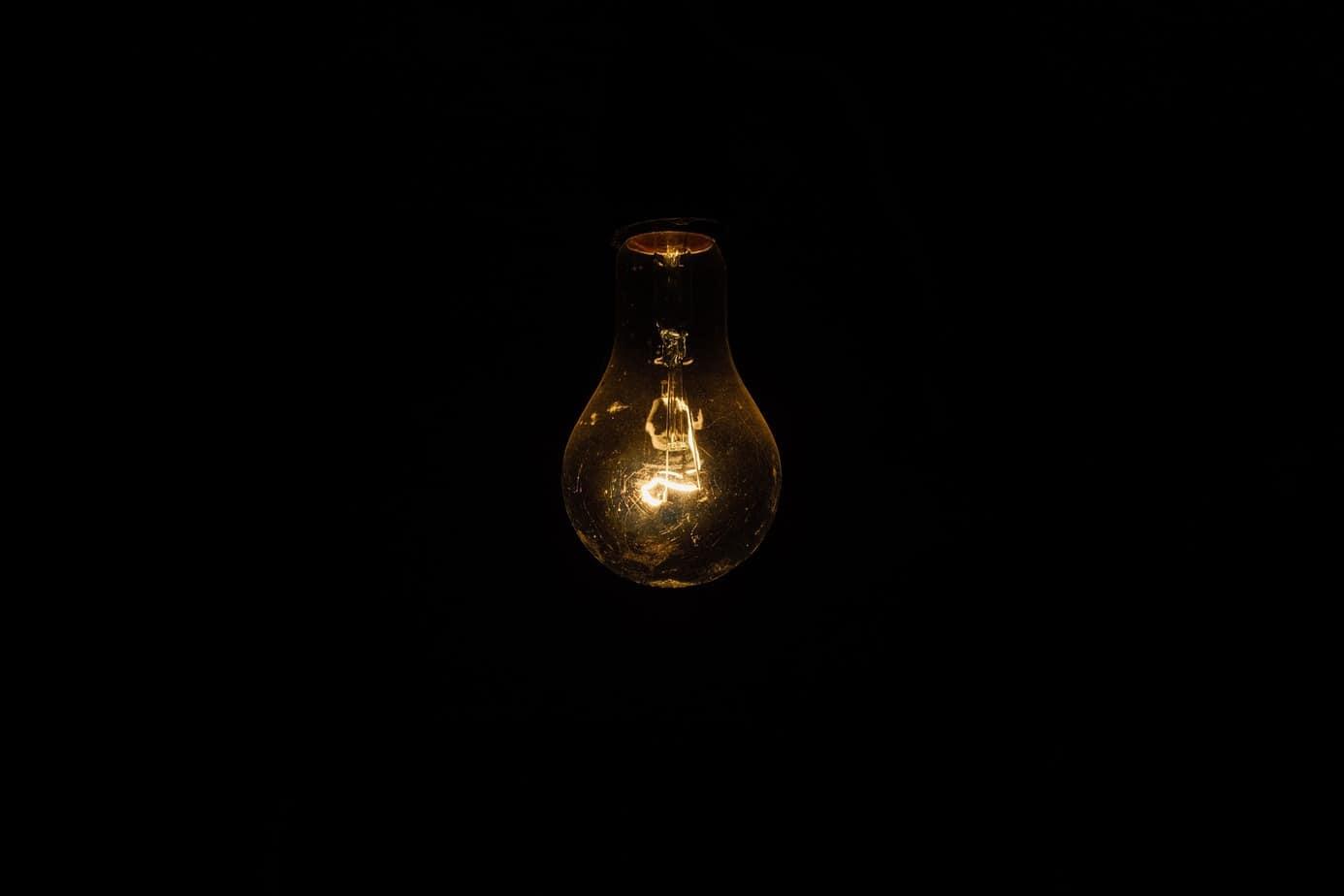 Corte de luz deja a más de 10 mil clientes sin luz en Nacimiento y Negrete