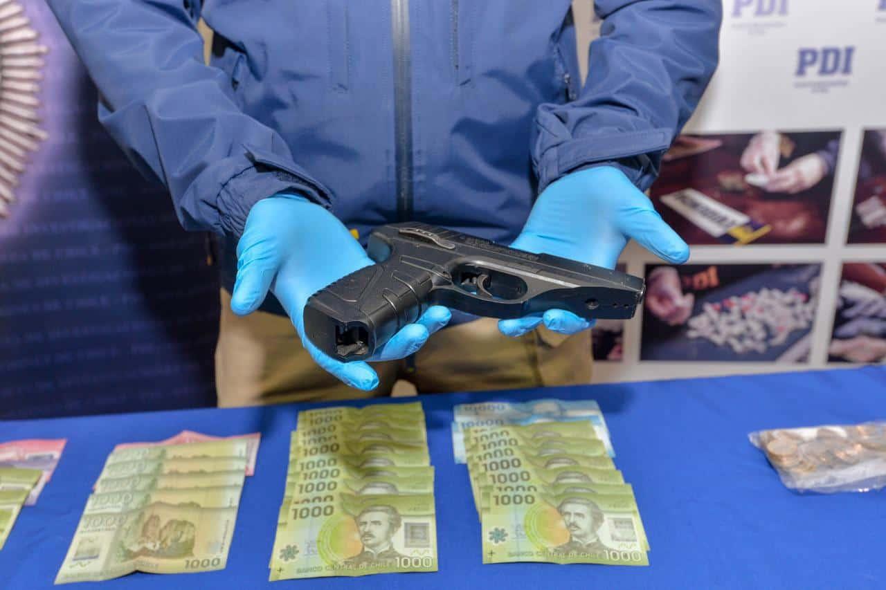 PDI detiene a 4 personas y decomisa más de 700 dosis de droga en Lota