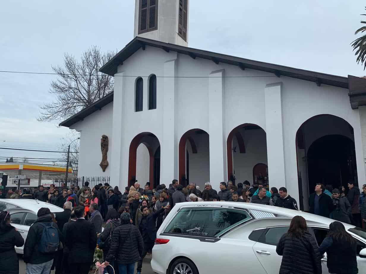 Multitudinario adiós a padre e hija que murieron en accidente en la ruta 5