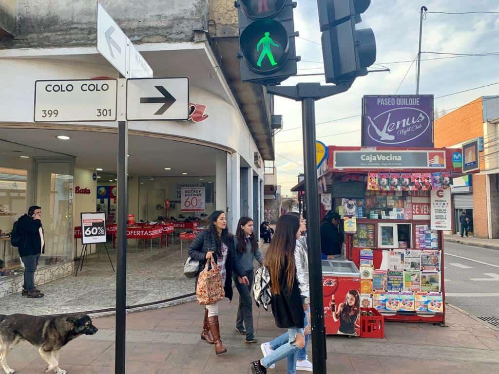 Delincuente es detenido mientras robaba en quiosco de calle Almagro con Colo Colo
