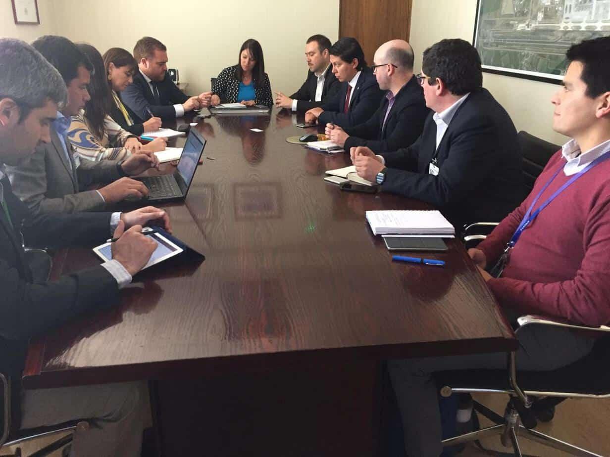 Gobierno se reúne con tres líneas aéreas para activar Maria Dolores