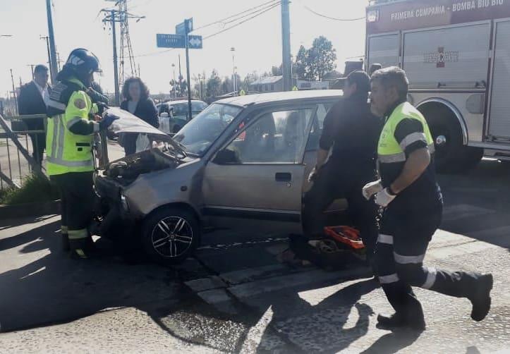 Mujer resulta lesionada tras colisión en avenida Padre Hurtado