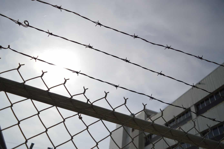 Delincuente que asaltó, pateó y dio codazos a su víctima en Tucapel irá 5 años preso