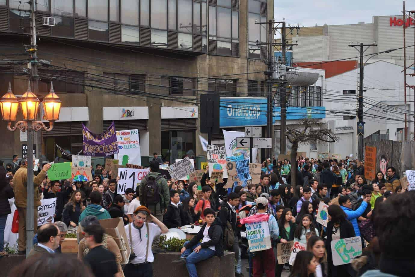 Fridays For Future se hizo notar en Los Ángeles con multitudinaria manifestación