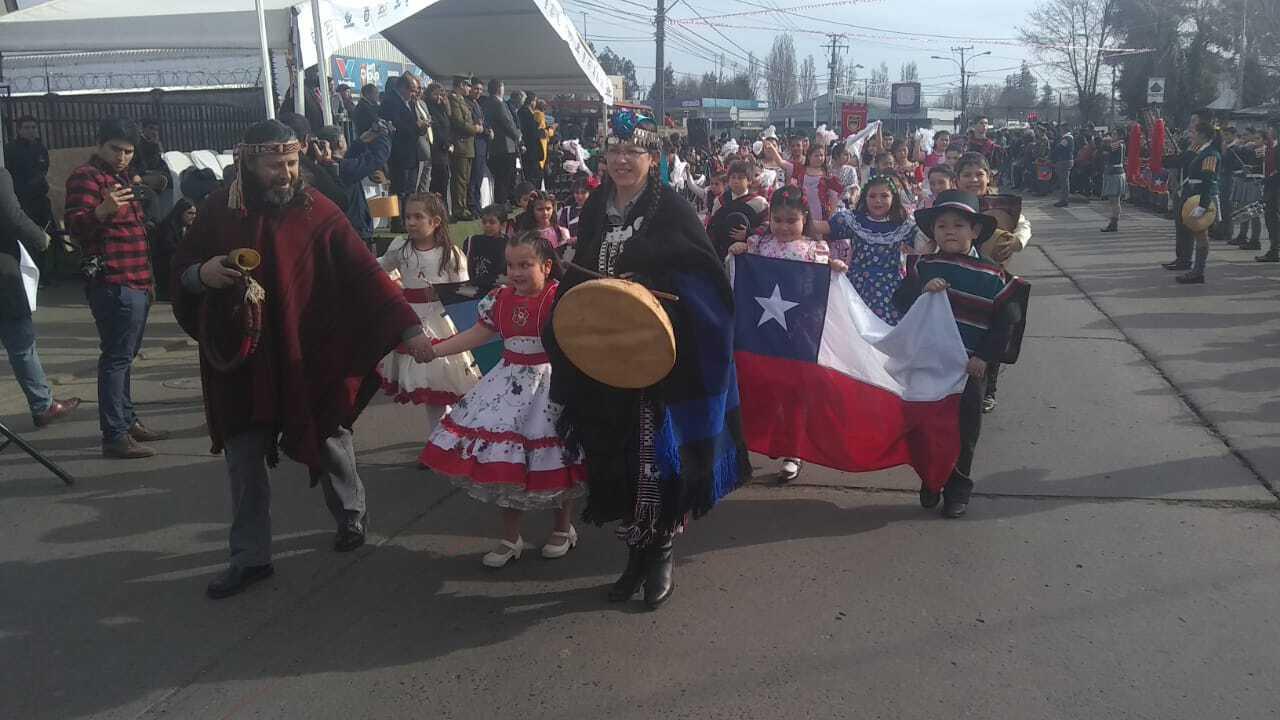 Paillihue realiza su tradicional desfile de Fiestas Patrias