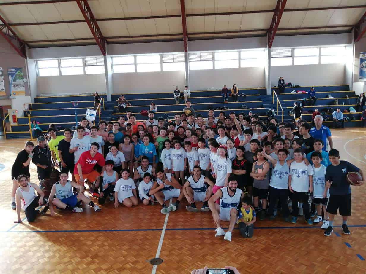 Más de 200 alumnos de la provincia participaron en clínicas deportivas impulsadas por CMPC y Club Deportivo Universidad Católica