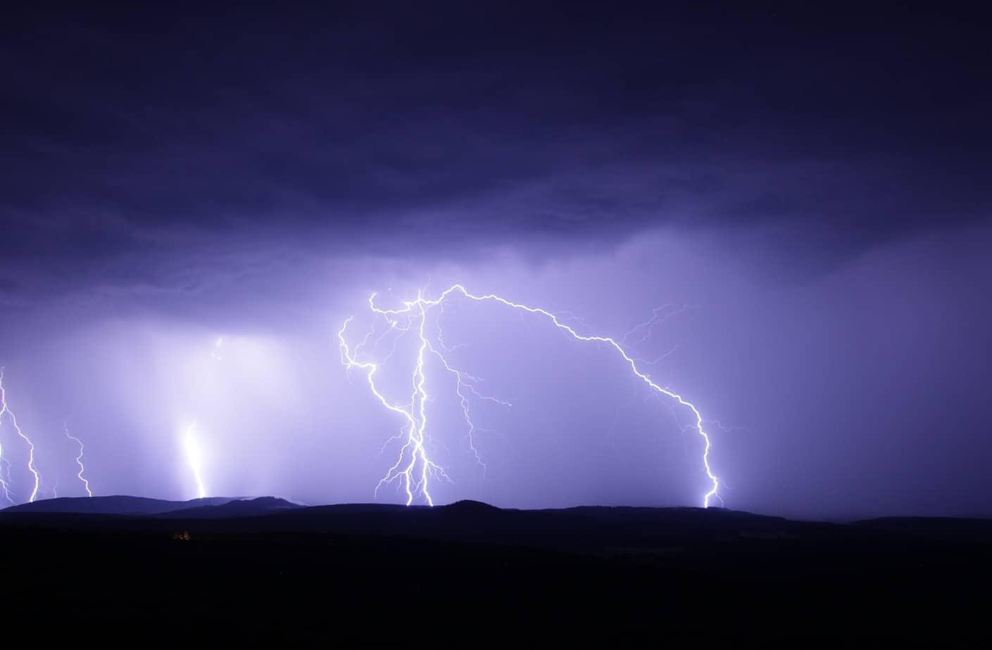 Declaran alerta temprana: tormenta eléctrica y vientos podrían llegar a 60 Km/hr