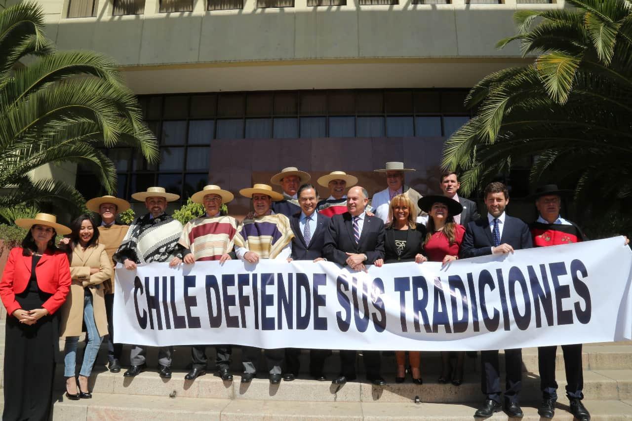 Diputado Norambuena llama a defender el rodeo y las tradiciones chilenas