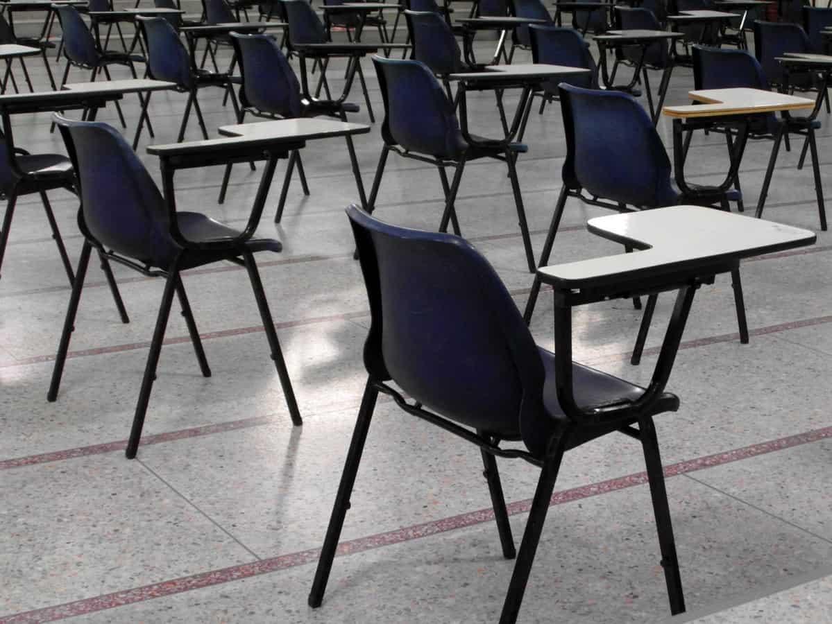 Alumnos inician toma del Liceo Bicentenario de Los Ángeles