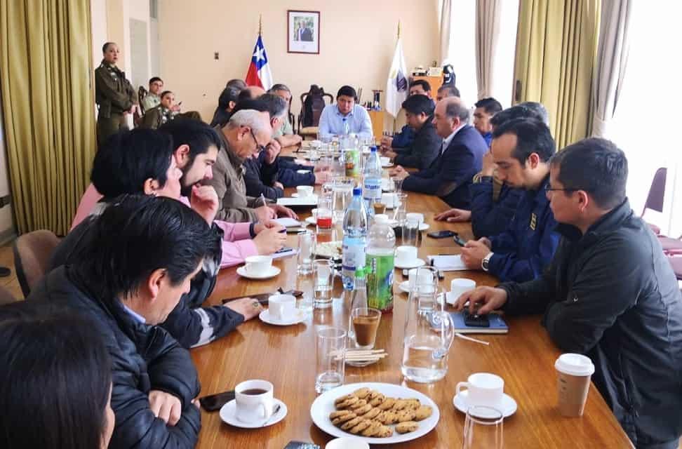 Gobernador Fica realiza balance:  22 detenidos y clases no se suspenden