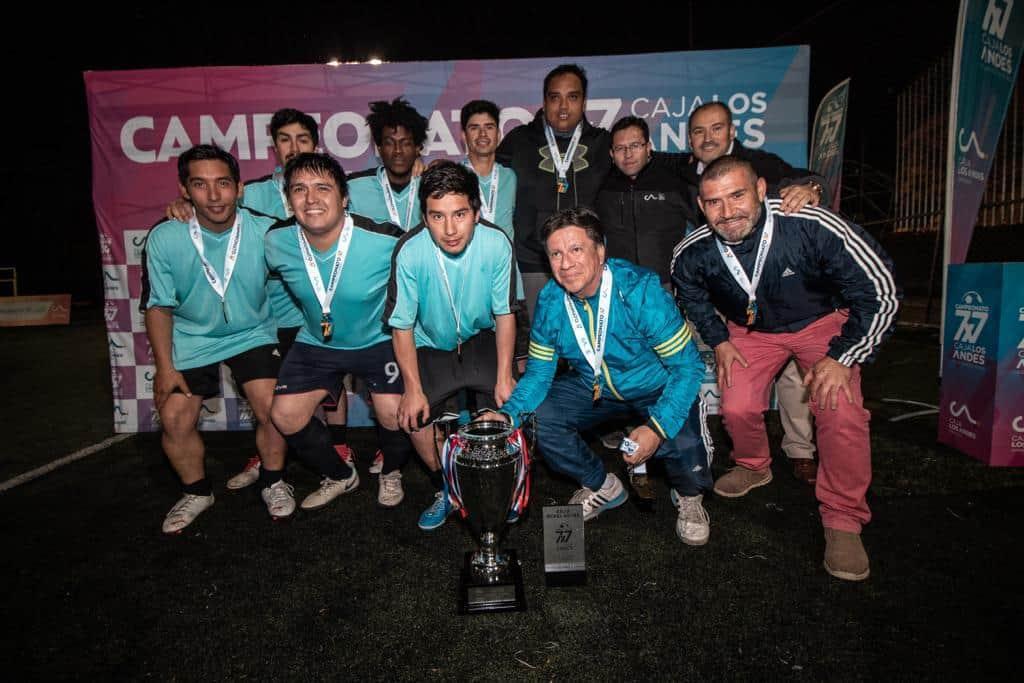 Equipo Llasa es el nuevo campeón local de Los Ángeles del torneo 7×7