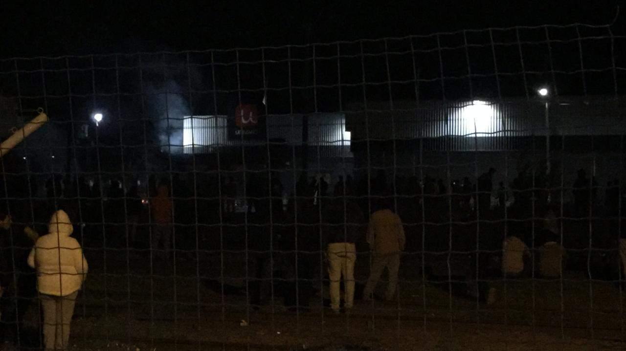 Supermercado Unimarc es saqueado en Cabrero