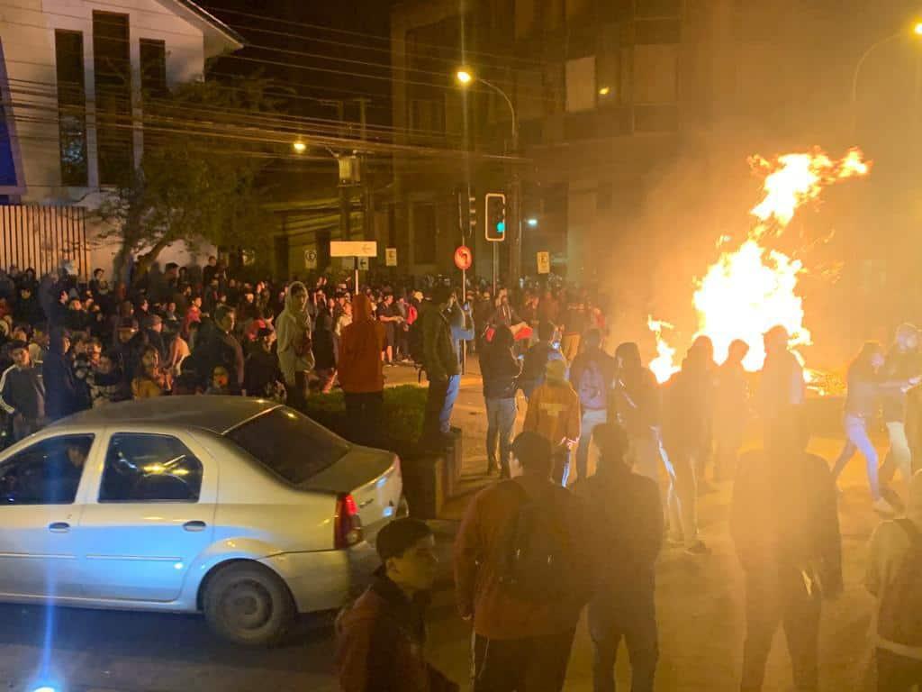 Balance del lunes «21oct» en Los Ángeles 10 mil manifestantes y 40 detenidos en hechos posteriores