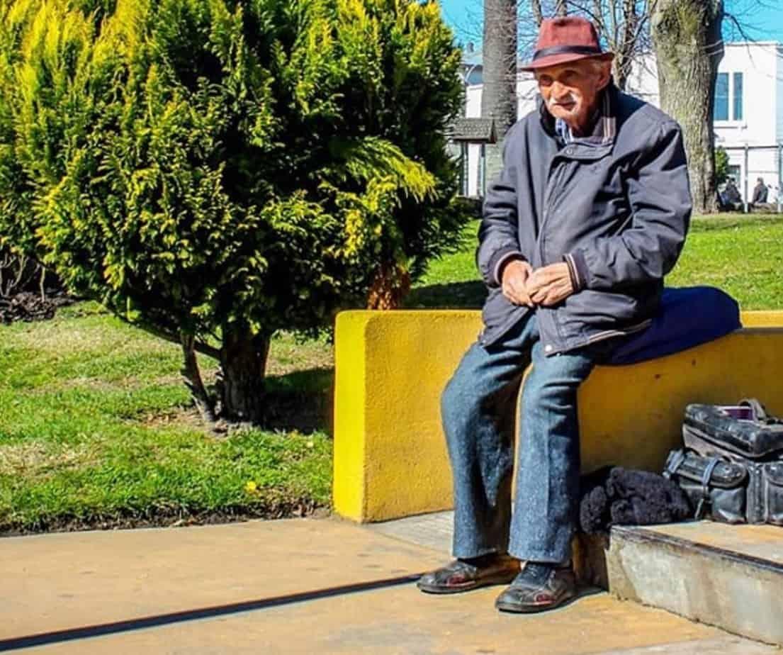 Muere el conocido fotógrafo de la plaza de Armas