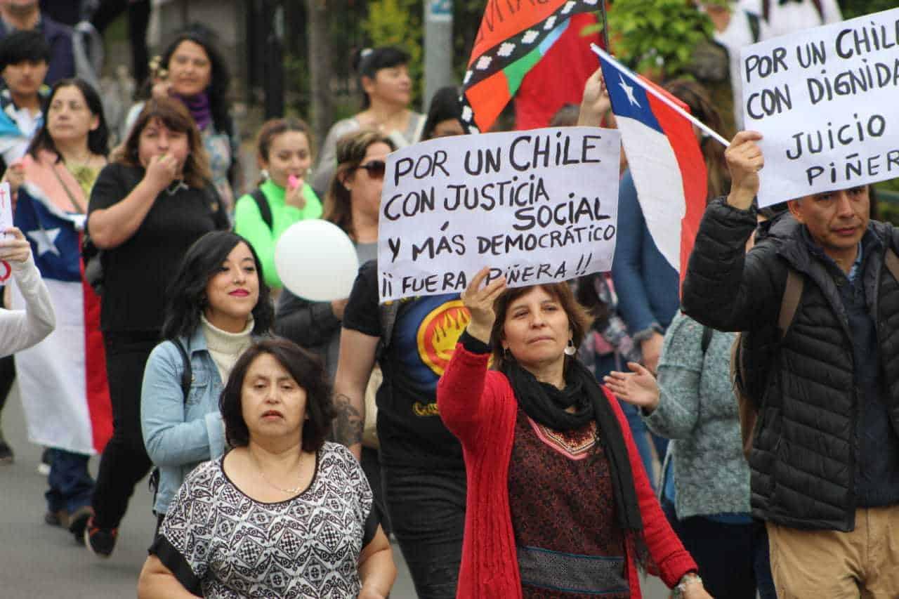 Galería: Las imágenes que marcaron la multitudinaria movilización de este viernes en Los Ángeles