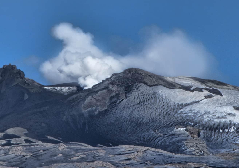 Onemi mantiene alerta amarilla en el Volcán Copahue de Alto Biobío