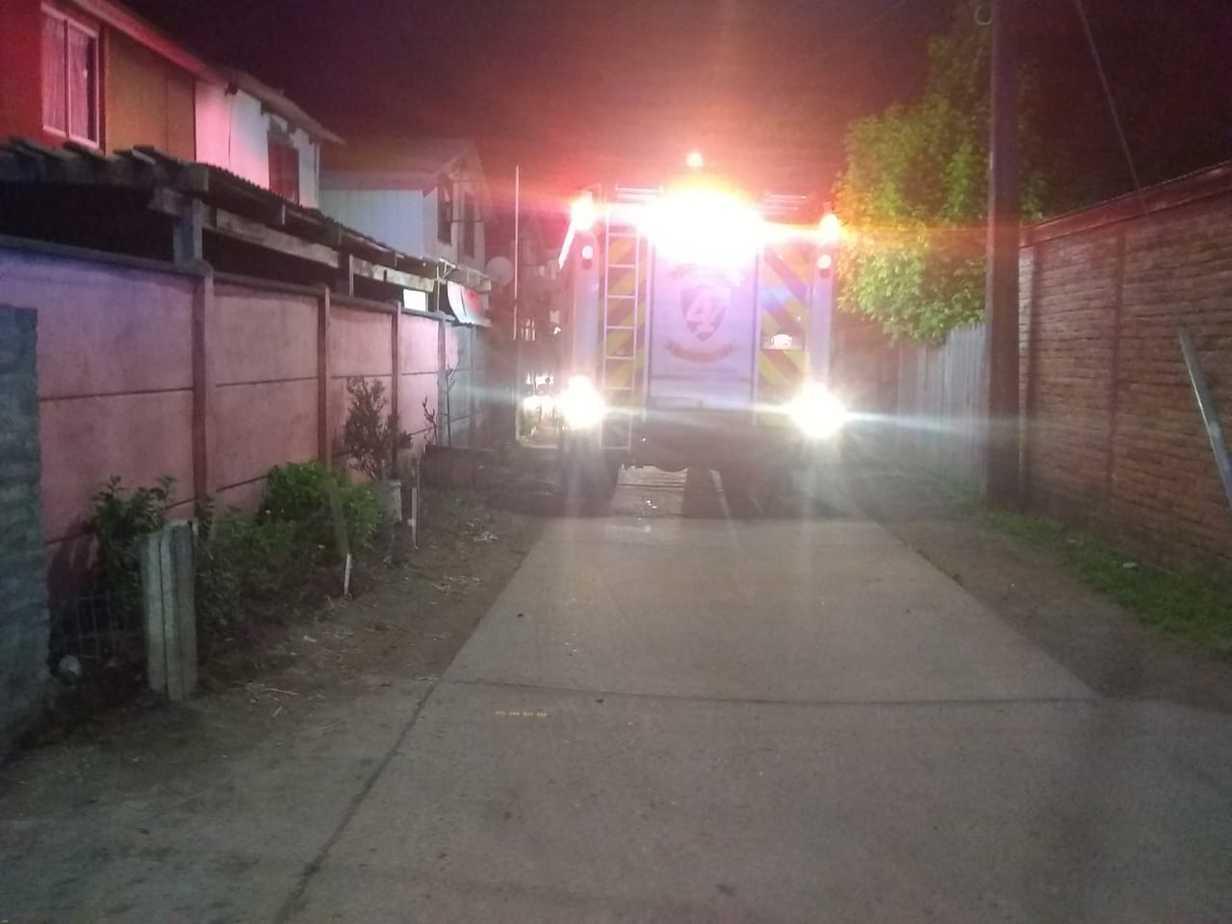 Principio de incendio afecta a vivienda en Paillihue