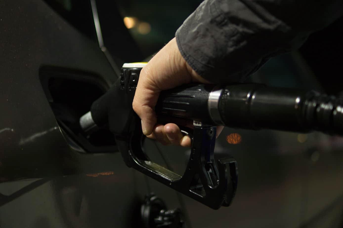 Alza del dolar tras estallido Social dispara las bencinas por cuarta semana consecutiva