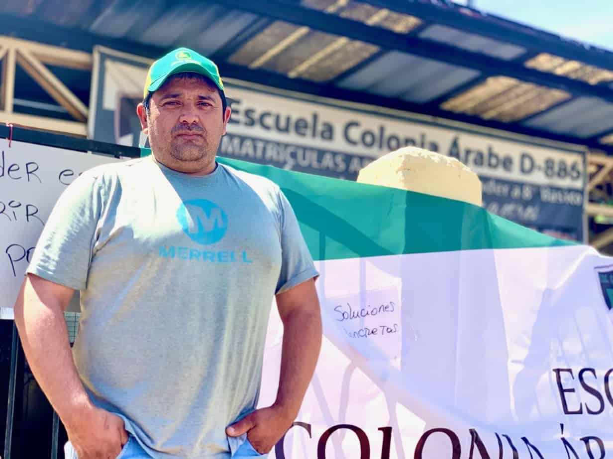 Padres se toman la Escuela Colonia Árabe de Los Ángeles: «Queremos el colegio que nos prometieron»