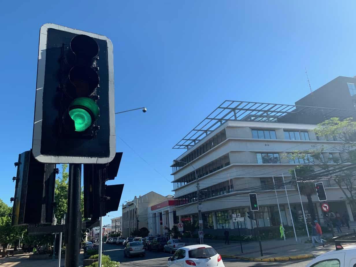 Semaforización de Los Ángeles cambiará a partir de 2020: no más luces rojas en cada esquina