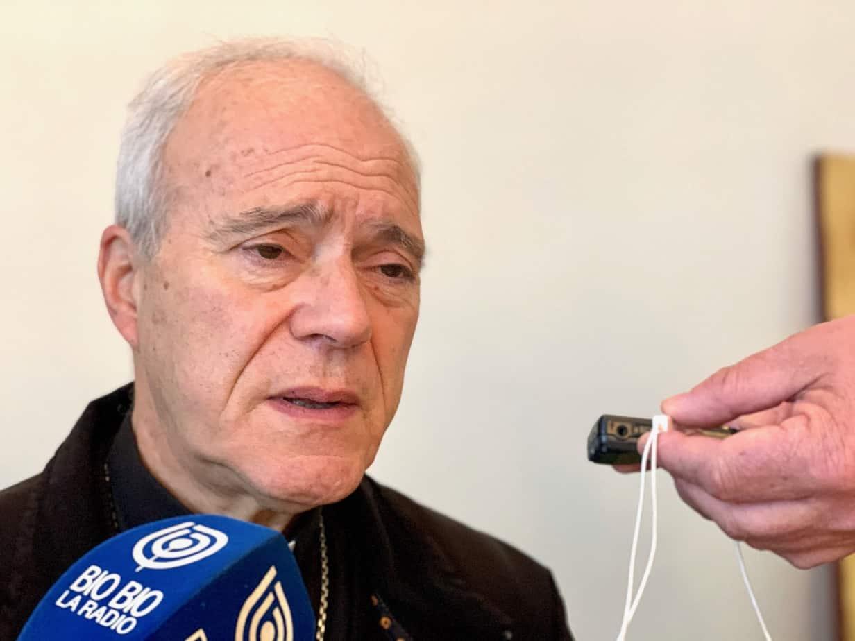 Obispo Bacarreza: «Chile está cayendo en un caos total»