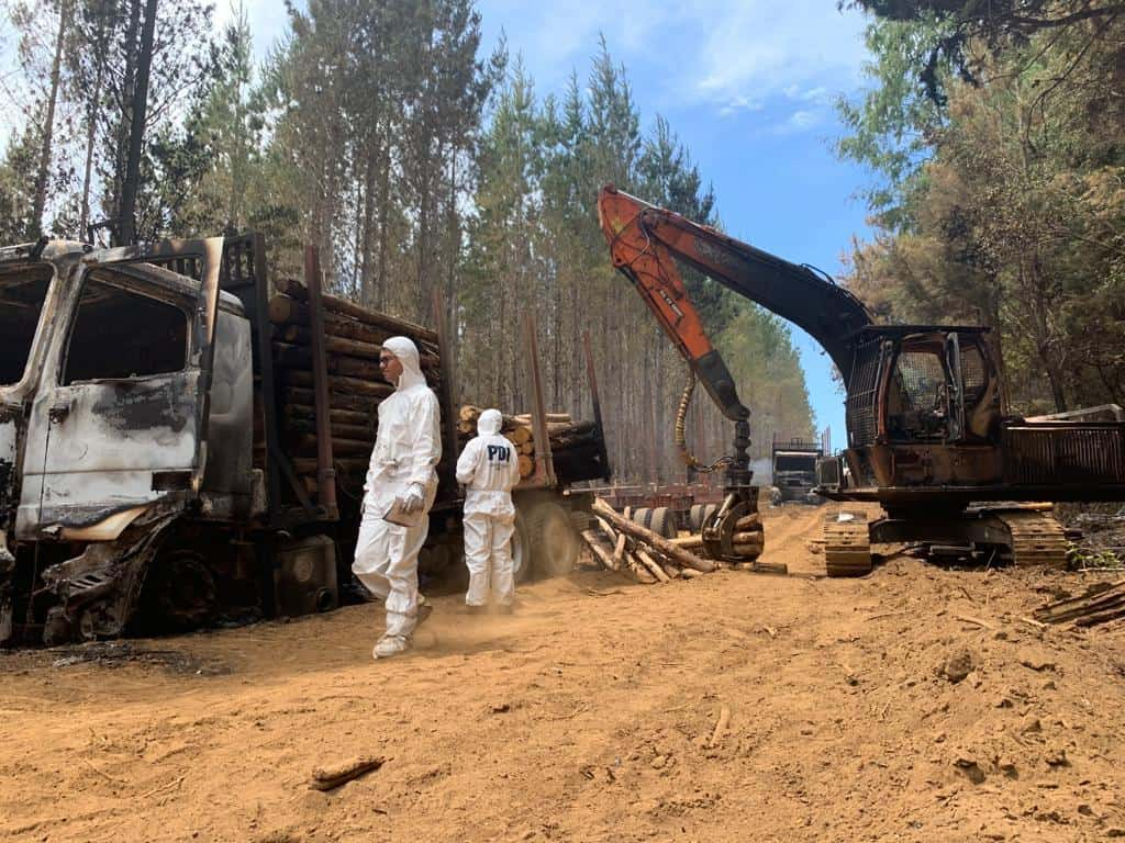 Así fue el ataque incendiario en Mulchén: incluyó secuestro de civiles