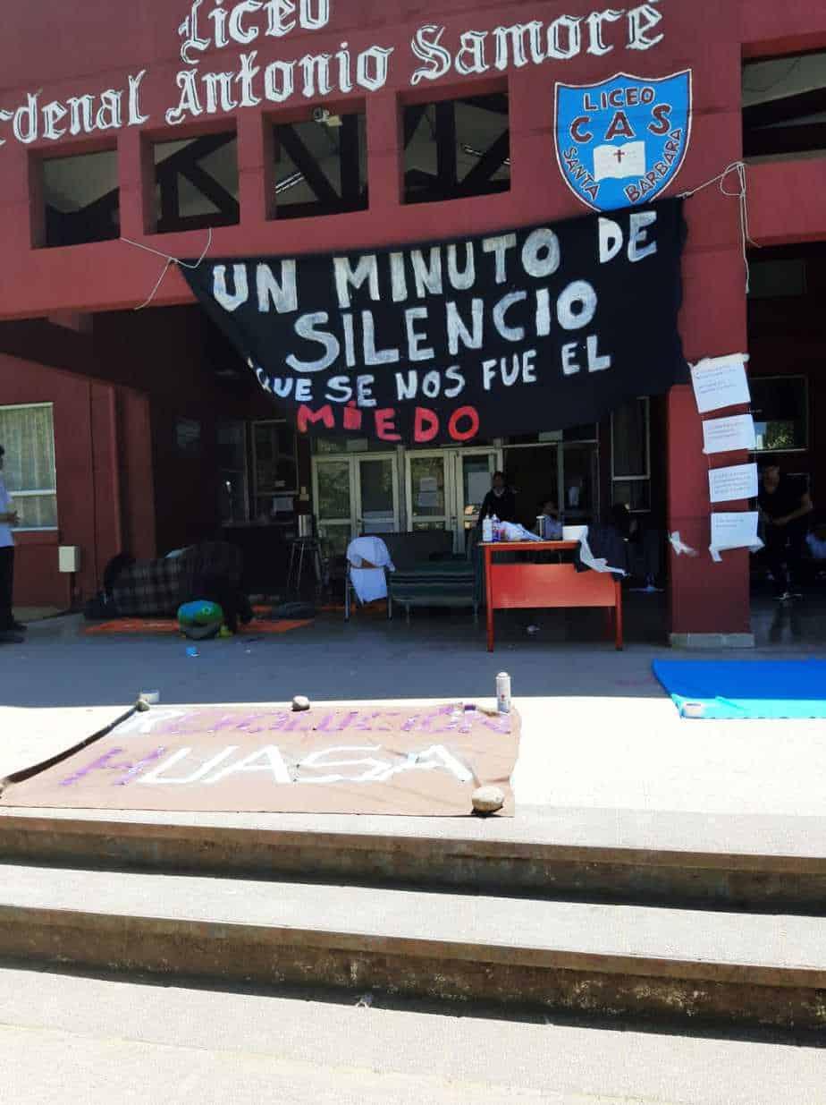 Alumnos se toman el Liceo Cardenal Antonio Samoré de Santa Bárbara