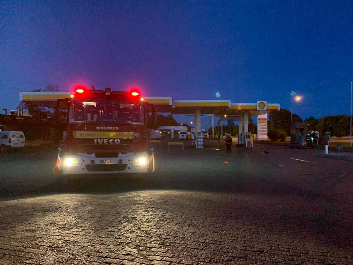 Derrame de combustible obliga a cerrar Shell de avenida Las Industrias