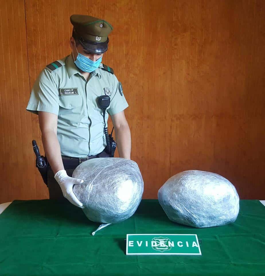SIP de Mulchén captura a dos sujetos con 65 millones en cogollos
