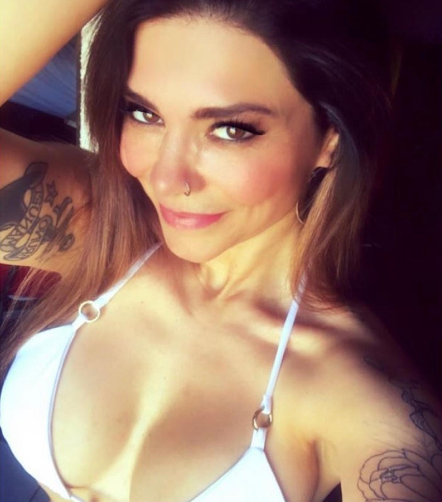 Antonella Ríos luce sensuales fotos en bikini a sus 45 años