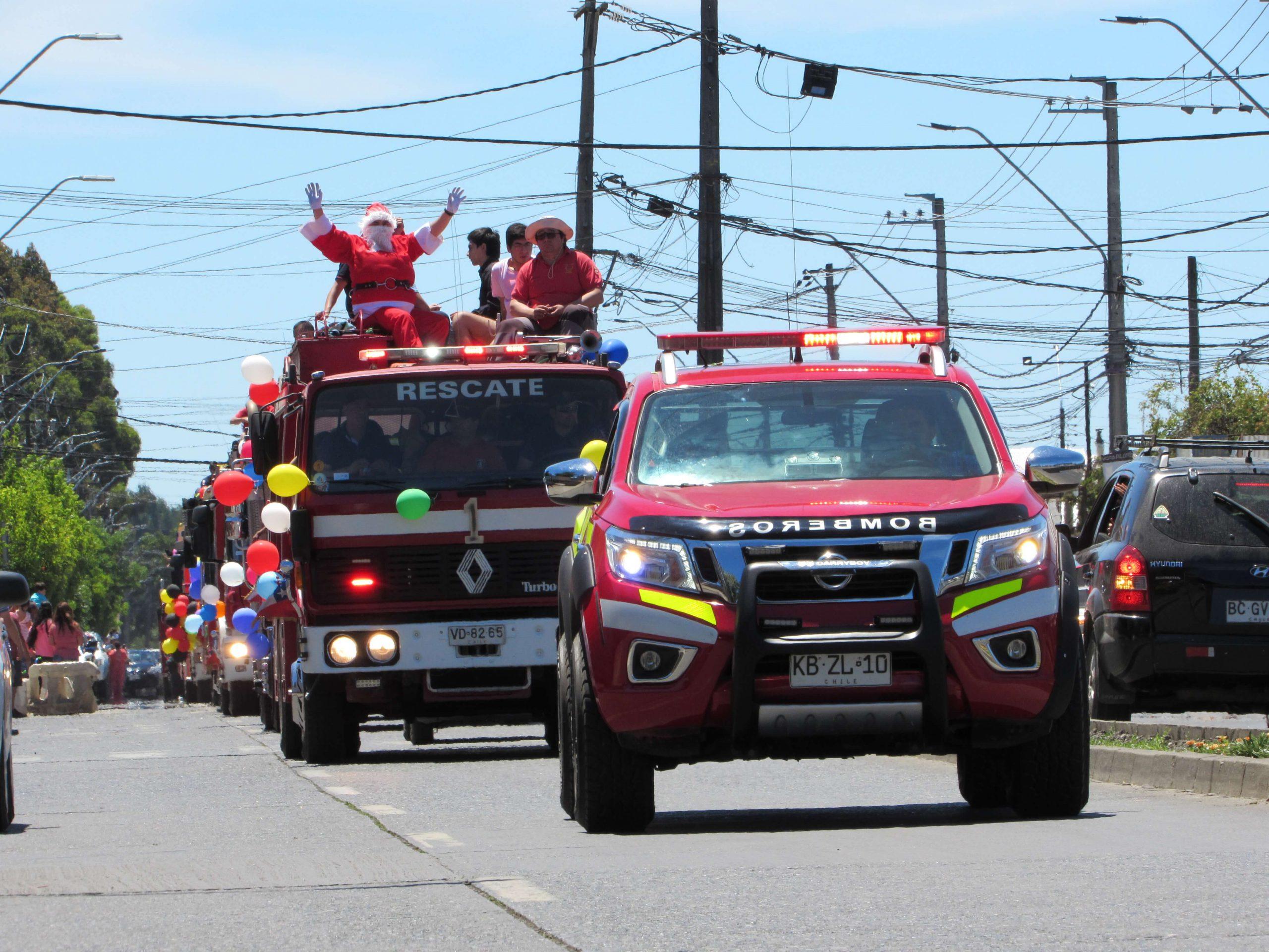 Galería: Bomberos de Los Ángeles celebró con la tradicional Caravana Navideña