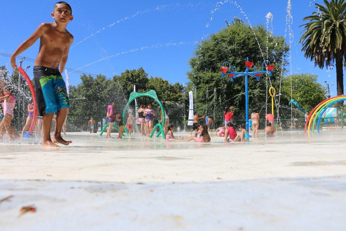Juegos de agua de la Laguna Esmeralda y Plaza Bernales están a pocos días de su apertura