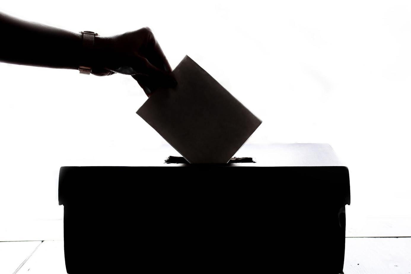 DC de Los Ángeles y rechazo a la retroactividad al límite de reelección: «Es impresentable»
