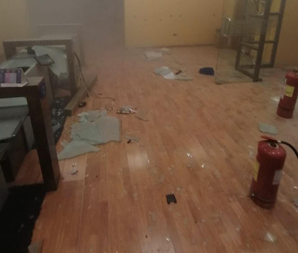 Sujetos ingresaron a oficinas de Diario El Mercurio de Antofagasta generando millonarios daños
