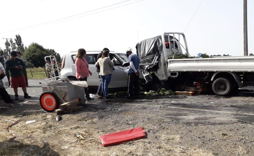 Un muerto y dos heridos graves deja accidente camino a El Peral